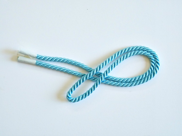 Make a nautical knot
