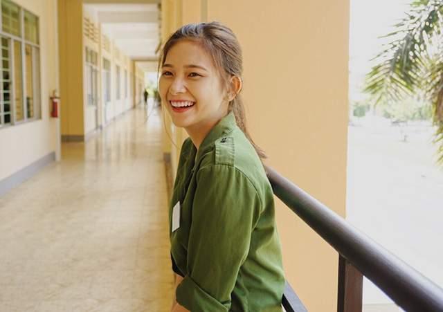 Bức ảnh nữ sinh xinh đẹp đi học quân sự khiến bao chàng say đắm - Ảnh 7