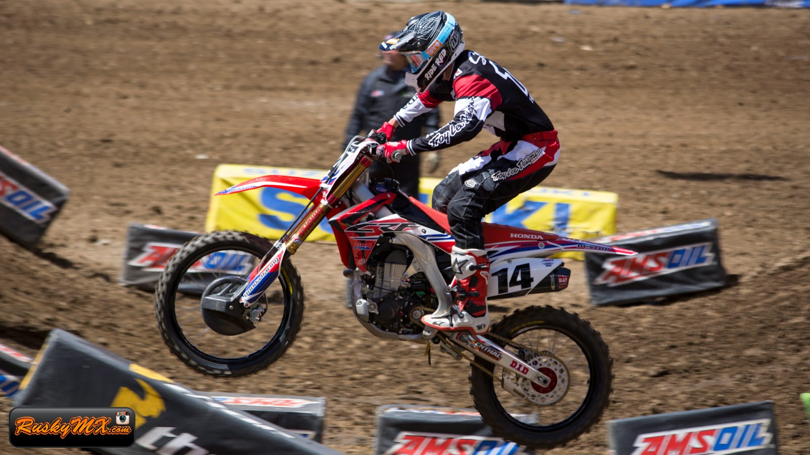 Cole Seely Wallpaper MetLife SX