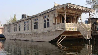 Houseboat bookings