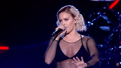 CLEAN BANDIT ft. Anne-Marie - Rockabye ( #live at MOBO Awards )