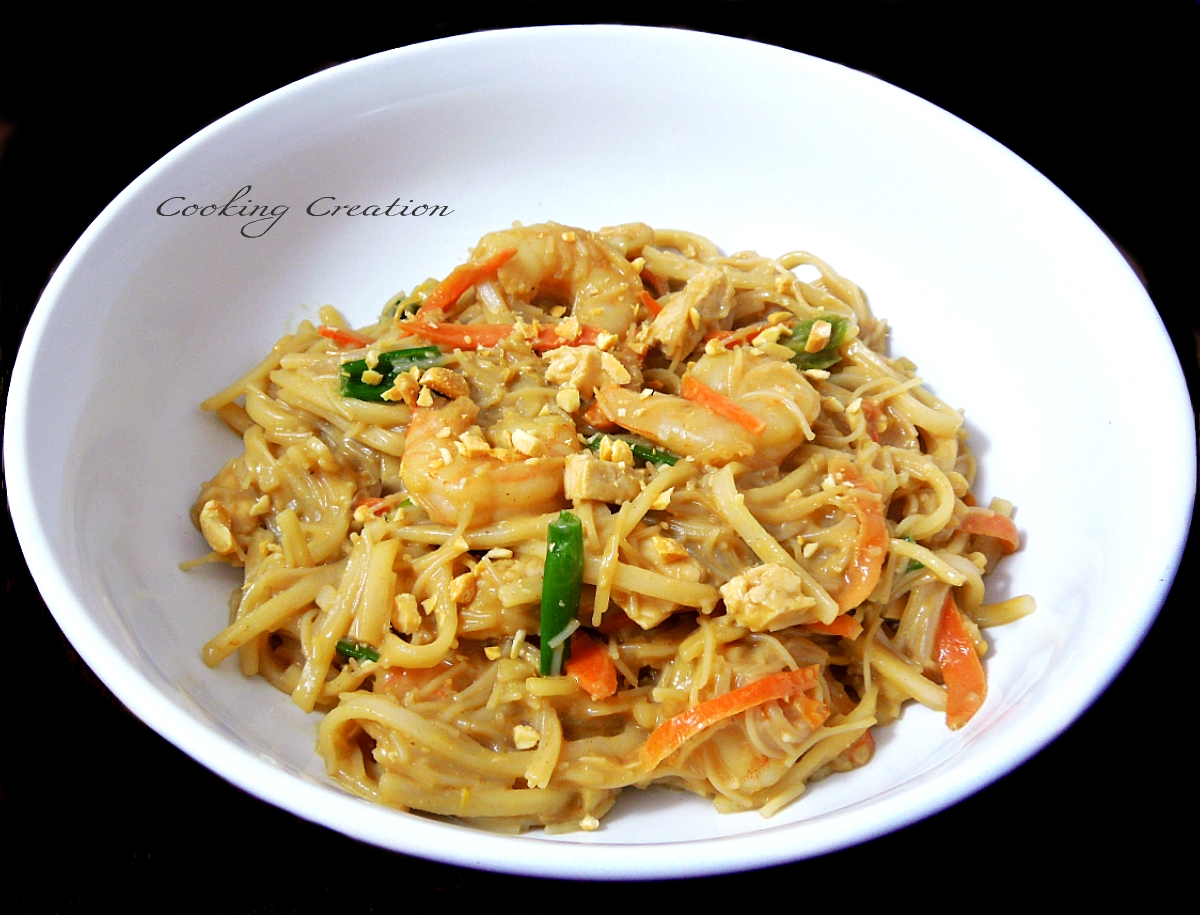 cooking creation pad thai with chicken shrimp tofu. Black Bedroom Furniture Sets. Home Design Ideas