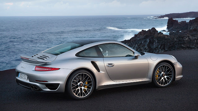 Porsche 911 Turbo side