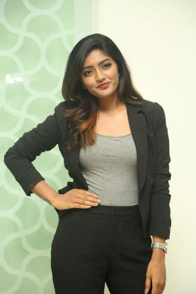 Actress Eesha Rebba At Ami Thumi Success Meet Gallery