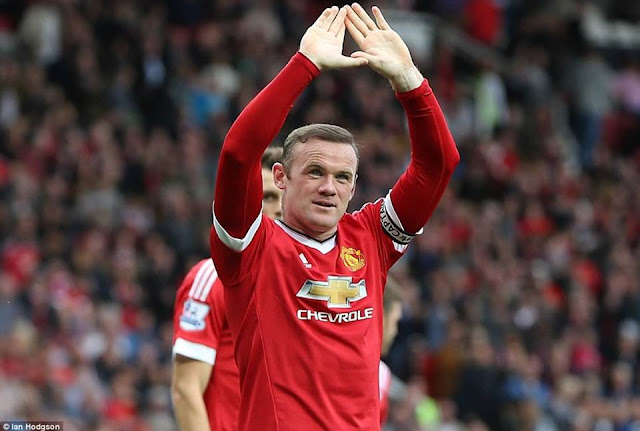 Footballer Wayne Rooney rejoins Everton from Man United