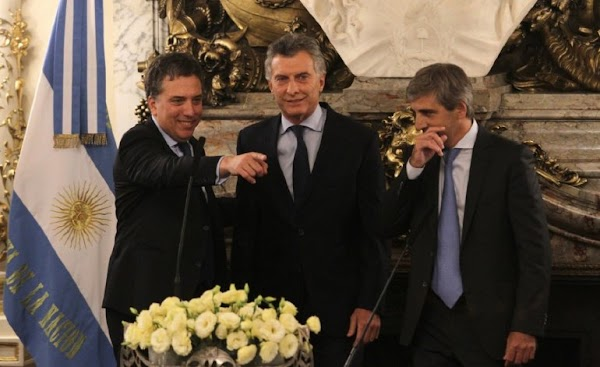 La mitad de la deuda contraída por Macri desde 2016 se fugó: casi U$S100 mil millones