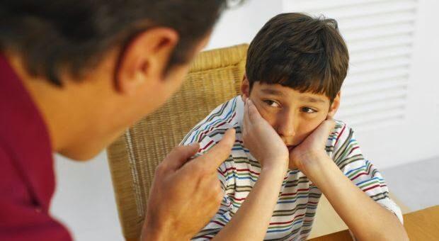Tanda-Tanda Orang Tua Yang Termasuk Tipe Overprotektif