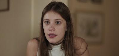 Caroline Dellarosa faz sua estreia como atriz no papel de Anjinha em Malhação: Toda Forma de Amar
