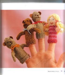 Jeux de doigts au tricot