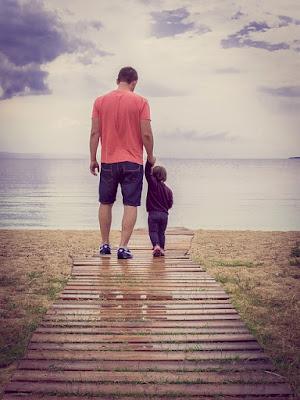 berdua dengan ayah