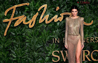 Kendall Jenner Slim  Goes  At British Fashin Show 2018 WOW     small  slim figure CEleBrity.co Exclusive 036