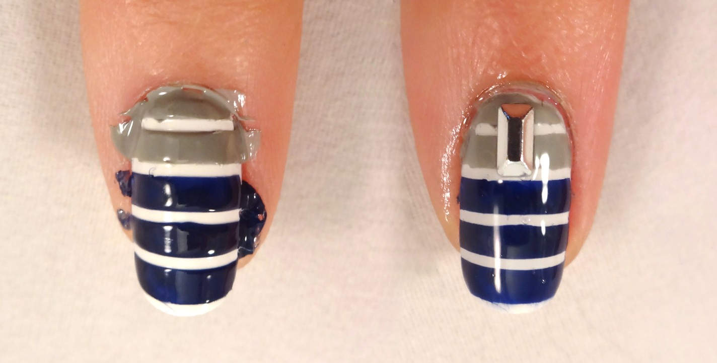 Blue and Grey Striped Nail