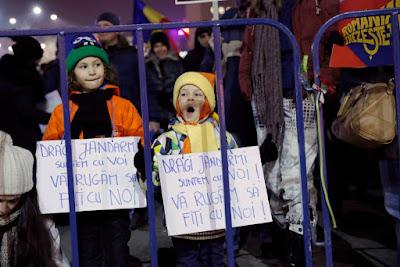 OUG 13, gyermekjogok, Románia, tüntetések Romániában, ANPDCA