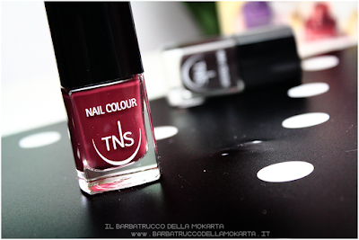 review nails red bordeaux polish sweet temptation collection, polish, lipstick, rossetti , smalti unghie by tns cosmetics