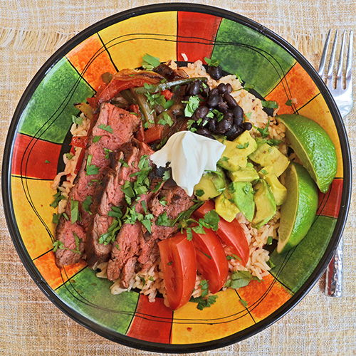 How to make steak fajita bowls at home