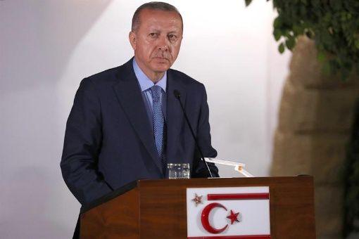 Erdogan expone en la OTAN la política de seguridad de Turquía