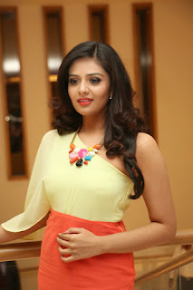 Srimukhi looks super spicy Beautiful in Short Red Skirt and One Shoulder Yellow Top