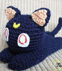 http://www.ravelry.com/patterns/library/luna-sailor-moon-cat