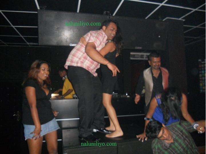 Menaka Maduwanthi hot drunk dance nightclub with boyfriend