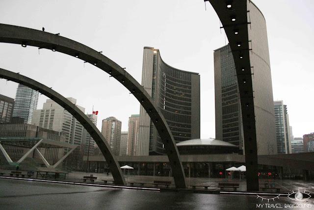 My Travel Background : 4 jours au Canada, la place Nathan Phillips au Centre-ville de Toronto