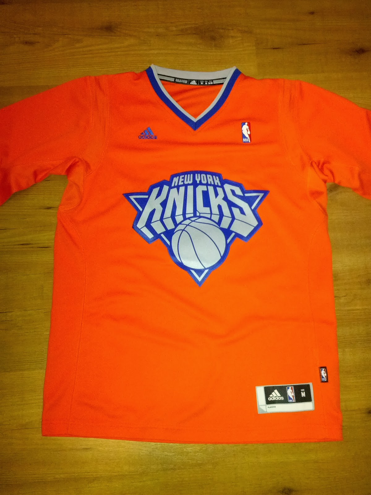 ... Carmelo Anthony New York Knicks Special Christmas Edition Swingman  Sleeved Jersey NBA ... 4c66750e9