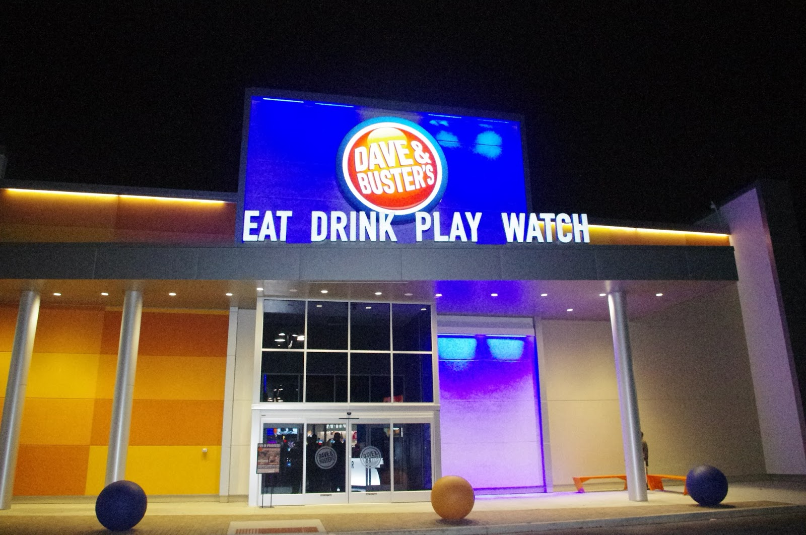 Dave Buster S Grand Sports Cafe