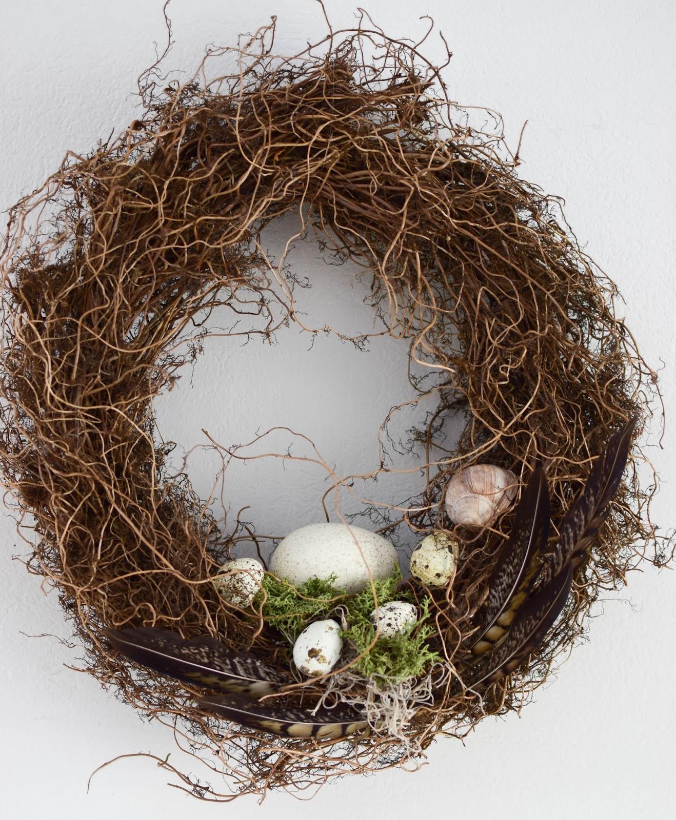 Guirlande de Pâques avec oeufs et mousse de plumes faites-vous une idée de décoration déco naturelle
