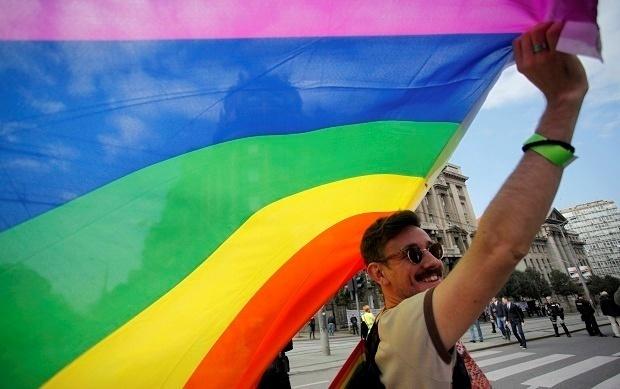 Роспотребнадзор рекомендовал туристам привиться от гепатита из-за ЛГБТ-фестивалей в Европе