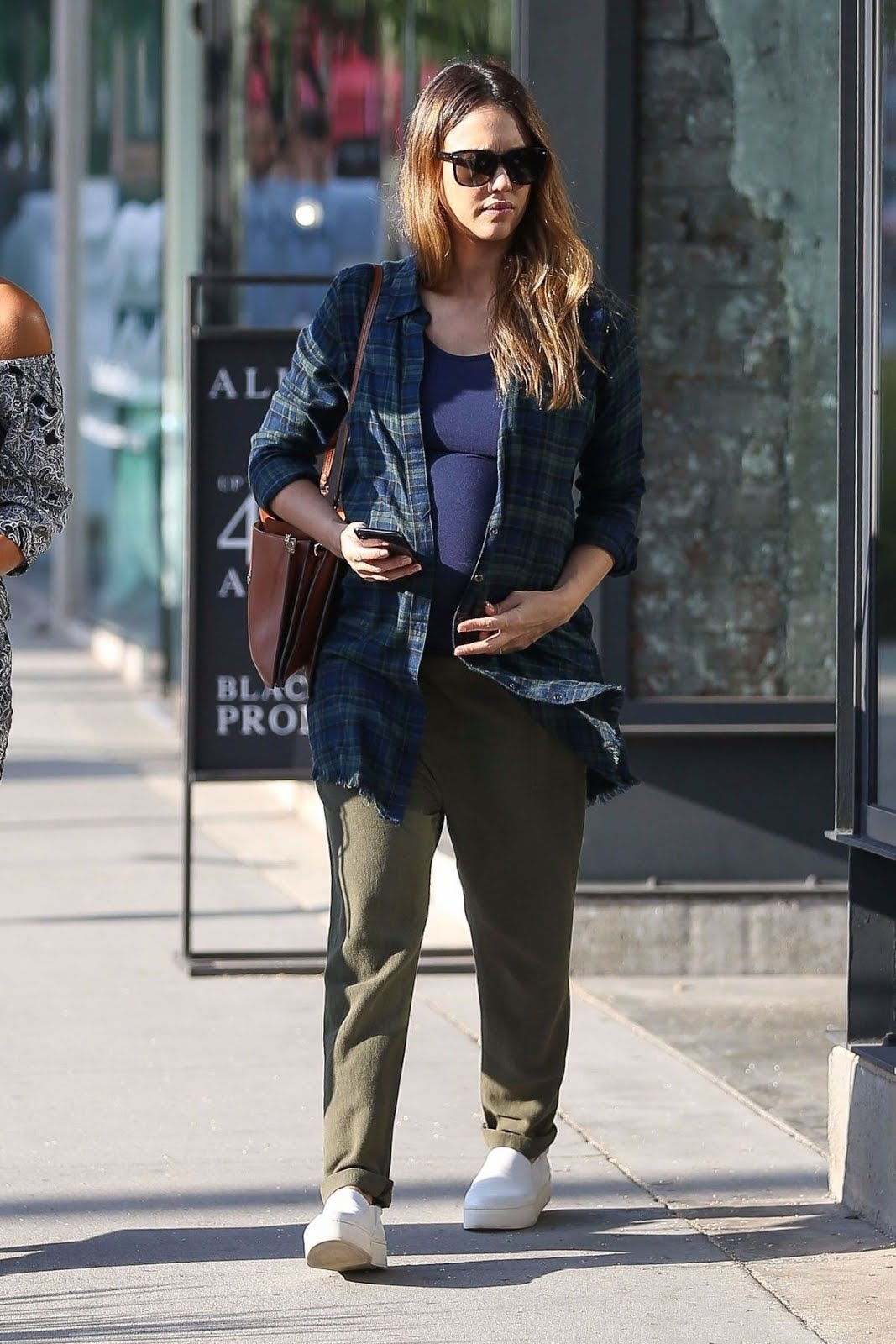Photos of Pregnant Jessica Alba Out for Shopping in Beverly Hills