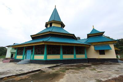 Berwisata Religi di Masjid Raya Peranap Indragiri Hulu