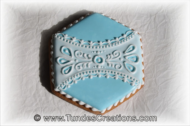 Cookie box with madeira lace by Tunde Dugantsi