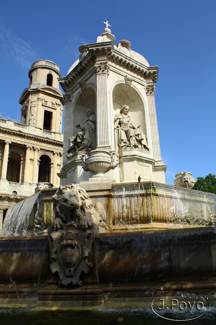 Fuente de los Cuatro Obispos, paris