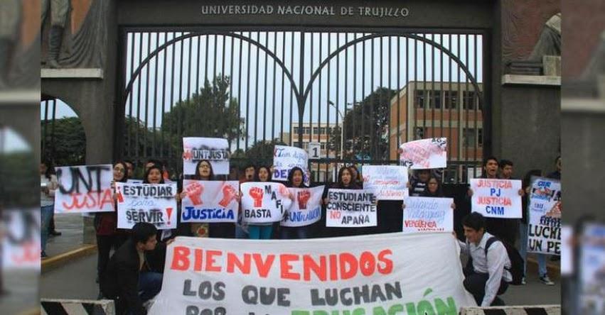 UNT: Estudiantes de la Universidad Nacional de Trujillo protestan contra ex rector de la UNT Orlando Velásquez