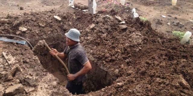 Kisah nyata Seorang Penggali Kubur, Lihat Azab Orang Meninggal