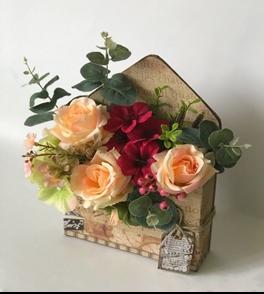 K'Mich Weddings- wedding planning - bouquet ideas - envelope bouquet ideas - wedding flowers