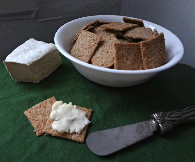 Homemade Wheat Thin Crackers