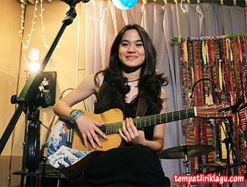 Lirik Lagu Sheryl Sheinafia - Fix You Up