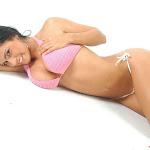 Andrea Rincon, Selena Spice Galeria 7 : Cachetero Blanco, Tanga Blanca, Top Bikini Rosado Foto 111