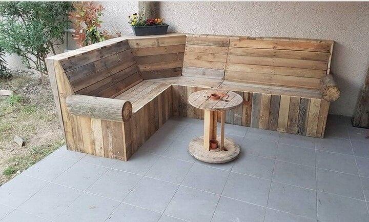 meja dan kursi kayu dari kayu palet bekas