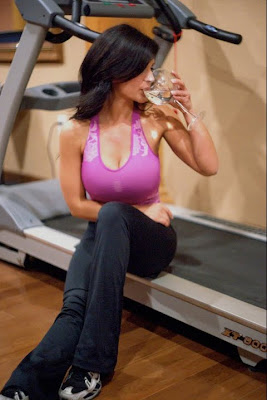Denise Milani workout