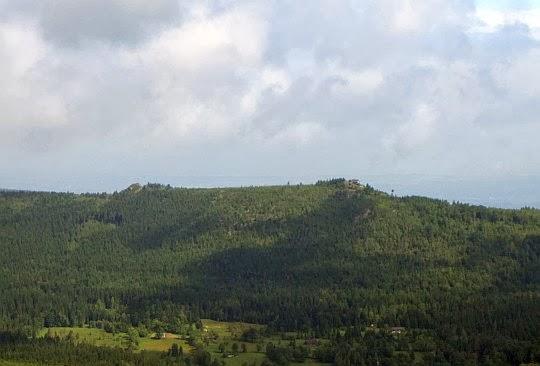 Wysoki Kamień (1058 m n.p.m.) w Wysokim Grzbiecie (Góry Izerskie).