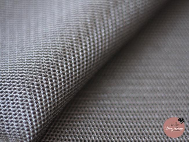 Mesh-Scuba, ein ungewöhnliches Material mit interessanten Eigenschaften