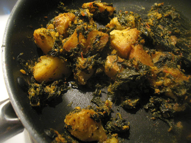 curried potatoes and spinach