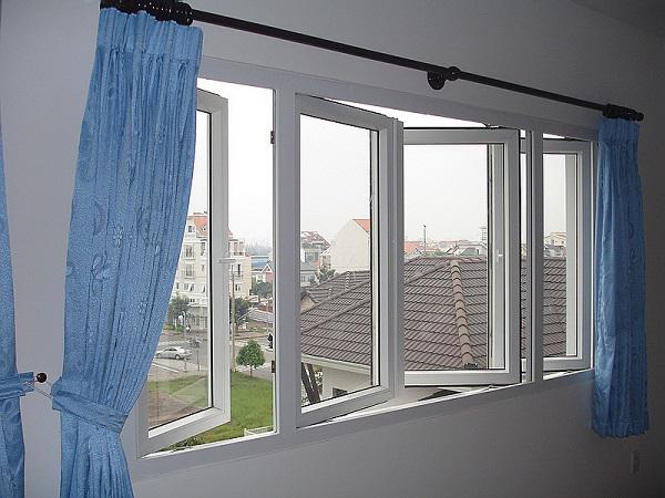 Cửa sổ trong phòng ngủ