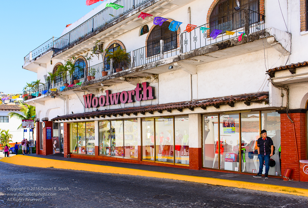 a photo of a woolworth store in puerto vallarta