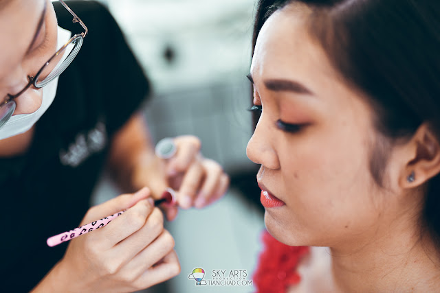 wedding bridal make-up in progress