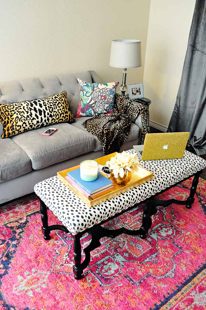 Ideas for decorating a living room in an apartment or rental home. Such glam, feminine decor!