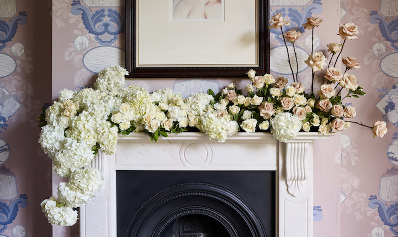 http://www.oysterandpearl.co.uk/2017/11/how-to-style-flowers-like-pro-with.html