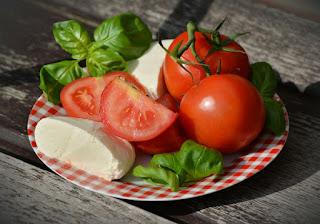Manfaat Tomat Bagi Kesehatan Dan Kecantikan