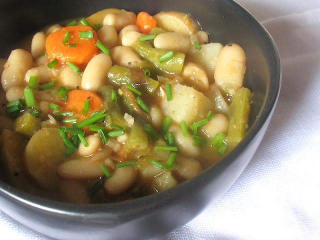 white bean soup with vegetables